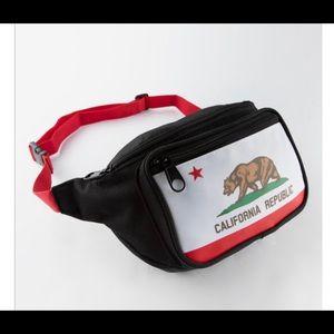 Handbags - Cali bear 🐻 fanny pack